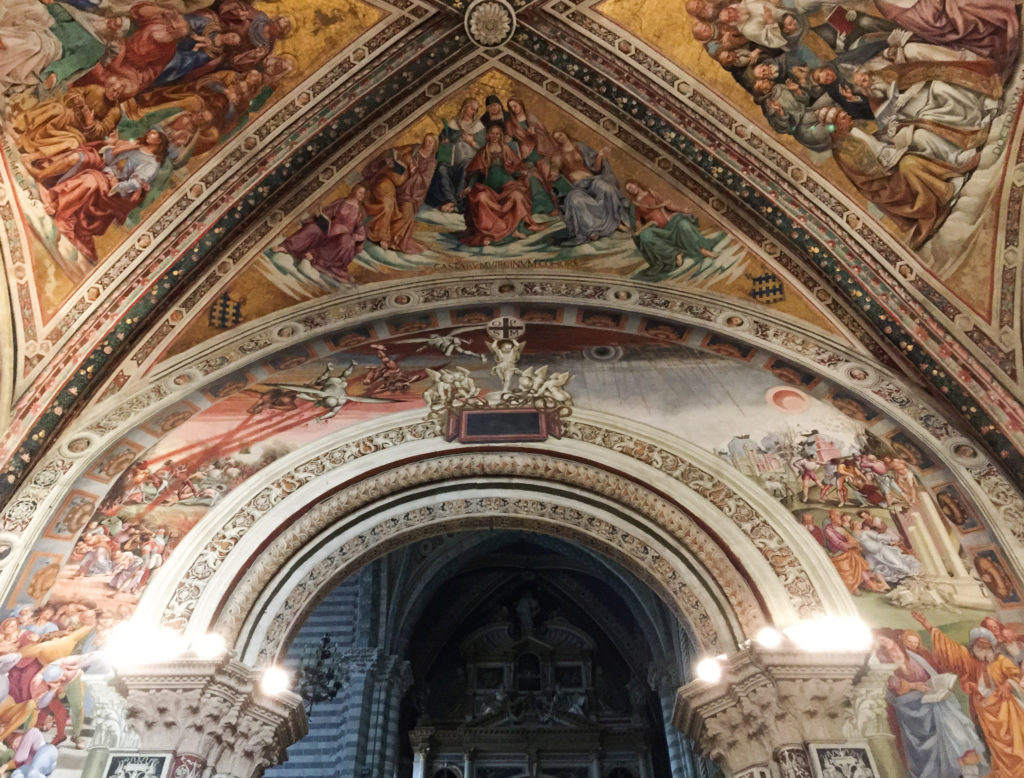 Interior Duomo di Orvieto in Italy