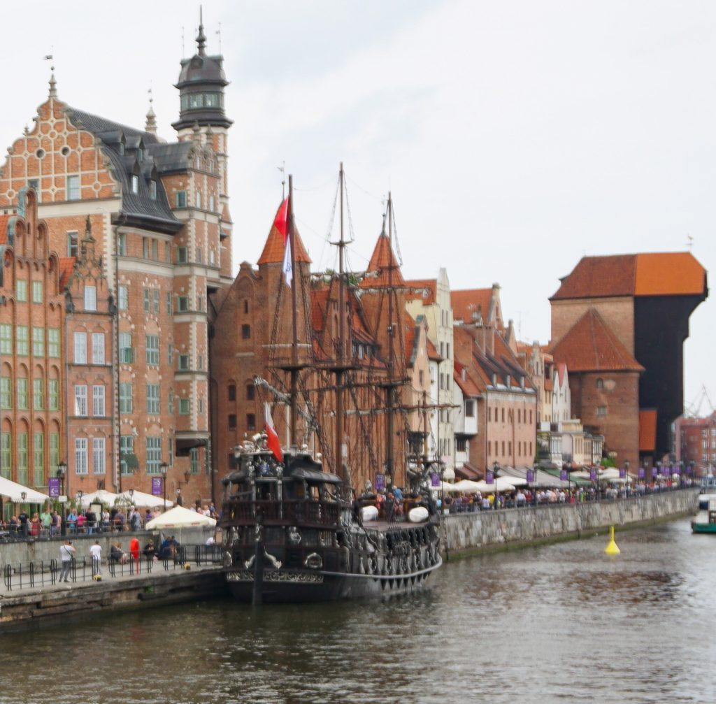 Zuraw, the treadwheel crane of Gdansk Old Town
