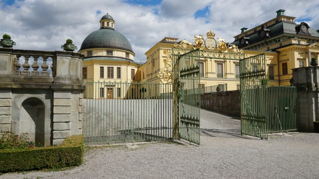 33 Magnificent Palaces in Europe You Must Visit!