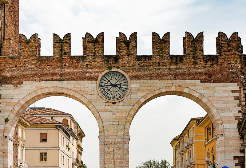 I Portoni Piazza Bra Verona Italy