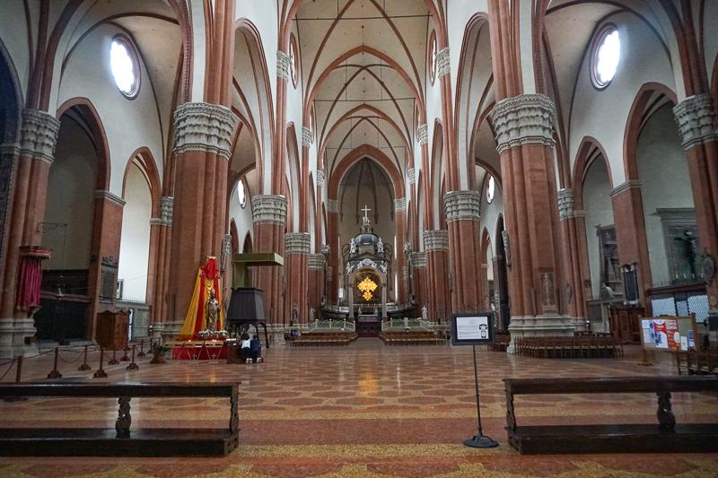 Interior San Petronius Basilica Bologna