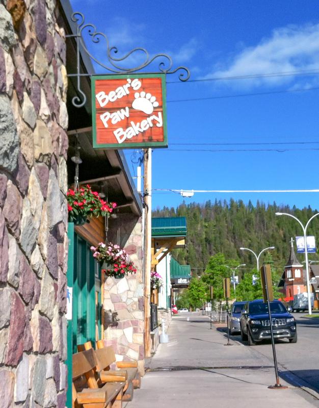 Bear's Paw Bakery in Jasper Town, Canada