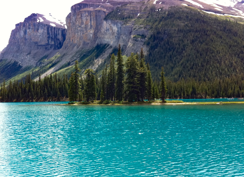 Maligne Lake in Jasper Canada