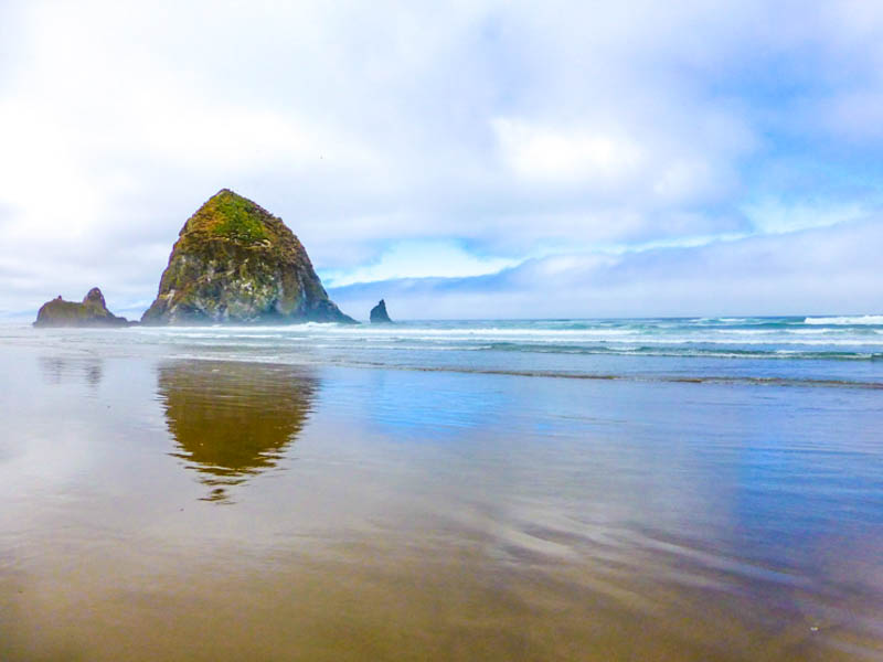 Haystack Rock in Cannon Beach Oregon