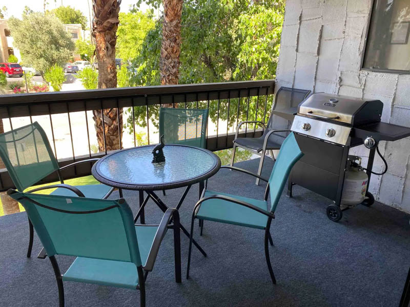 Patio Palm Springs Apartment