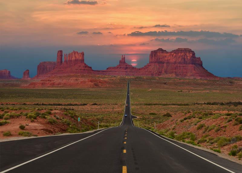 Road through Monument Valley in Utah